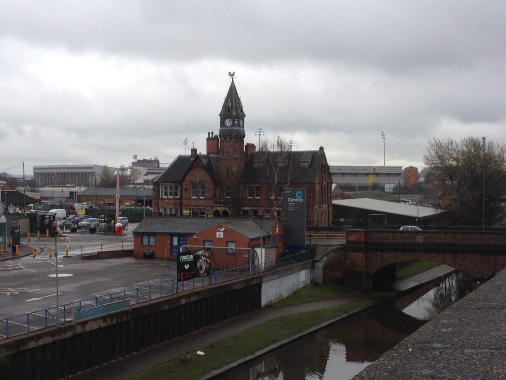 Mooi uitzicht op de Brian Clough Stand en Meadow Lane, het stadion van Notts County